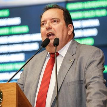 Deputados reclamam de desatenção de secretários de Paulo Câmara