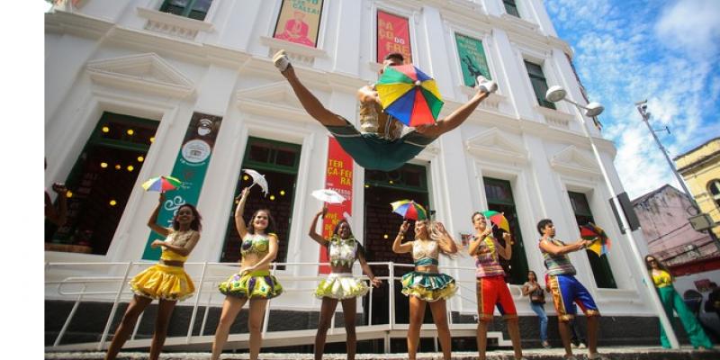 Arrastão do frevo está marcado para este domingo (1), a partir das 15h, no Marco Zero do Recife