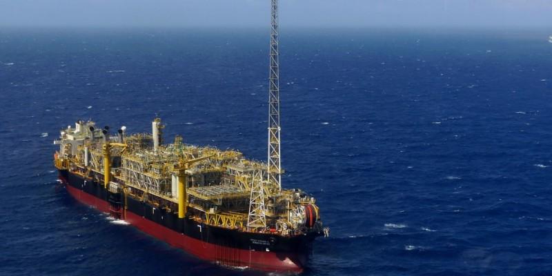 Presidente da Associação Municipalista de Pernambuco (Amupe) afirma que o petróleo deve ser distribuído igualmente entre todos os brasileiros