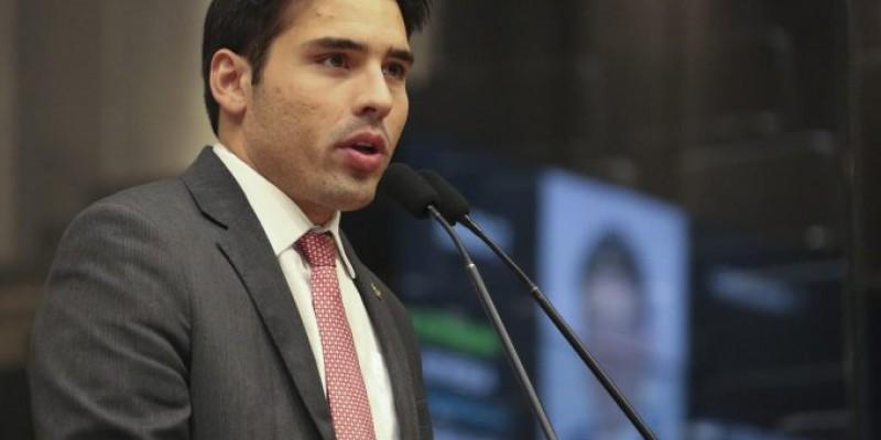 João Paulo Costa também defendeu o nome do irmão, Silvio Costa Filho ao senado em 2022
