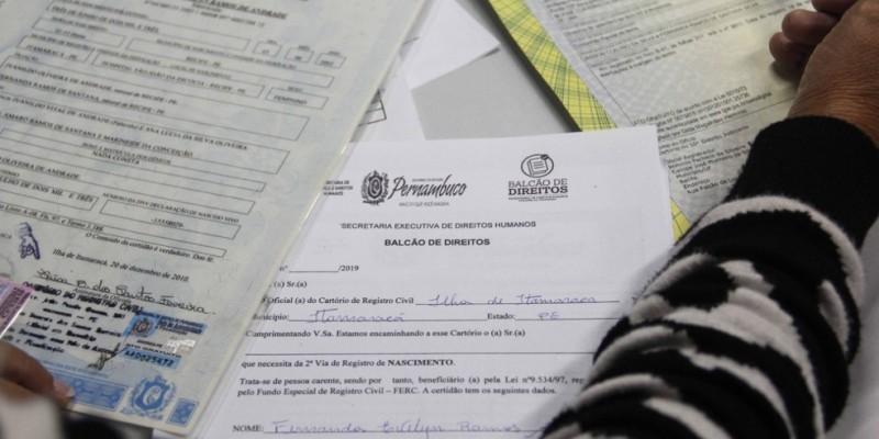 O programa oferta gratuitamente à população serviços para emissão de segundas vias de certidões de nascimento, casamento e óbito, entre outros