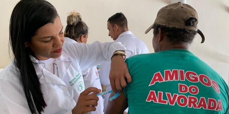 Para o restante da população, a vacina contra a febre amarela vai ficar disponível a partir de março