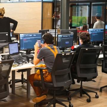 Falta mão de obra qualificada no setor de tecnologia, aponta estudo