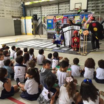 Operação volta às aulas orienta os motoristas nas vias mais movimentadas do Recife