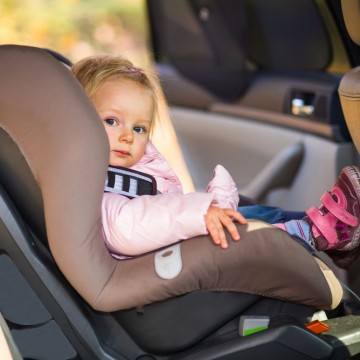 Multas por transporte inadequado de crianças em veículos crescem