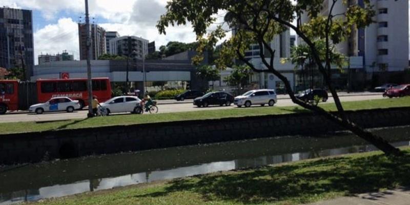 No Dia Nacional do Trânsito a CBN Recife conversa  com pessoas de vários modais para saber o que desejam para o trânsito da cidade.