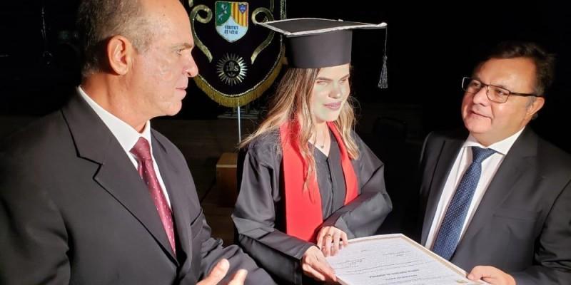A norma obriga as instituições a expedir o certificado de conclusão adaptado para os deficientes visuais, além dos diplomas convencionais