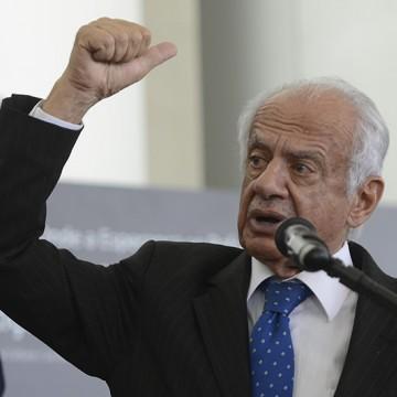 Simon defende saída de Jucá da presidência nacional do MDB