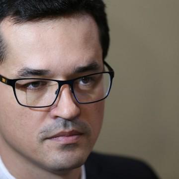Ministro cobra providências da PGR contra Deltan Dallagnol