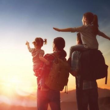 Juíza esclarece normas para viagem de crianças e adolescentes