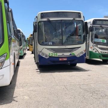 Pernambuco proíbe a circulação de ônibus aglomerados no Grande Recife
