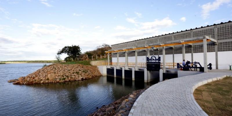 A execução da obra fica sob a responsabilidade da Companhia Pernambucana de Saneamento