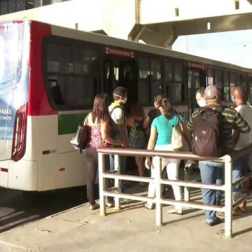 Ônibus serão reforçados para atender reabertura econômica na RMR