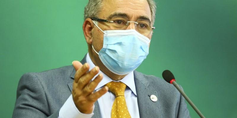 Ministro da Saúde pede que países liberem as doses excedentes