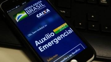 Saque do auxílio emergencial aos trabalhadores nascidos em novembro está disponível