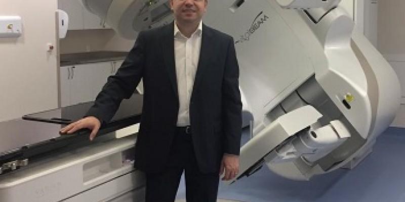 O gerente técnico de Radioterapia do grupo, Ernani Anderson, diz que o mercado de serviços de saúde altamente especializados não para de crescer