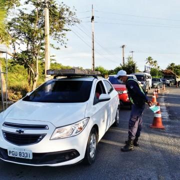 Itamaracá fecha entrada da ilha para veículos de turismo por causa da alta da covid-19
