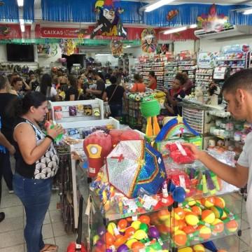 Ipem-PE realiza fiscalização em produtos carnavalescos
