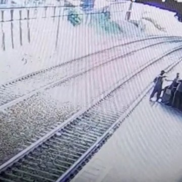 Vigilante do Metrô do Recife tem arma roubada por assaltante