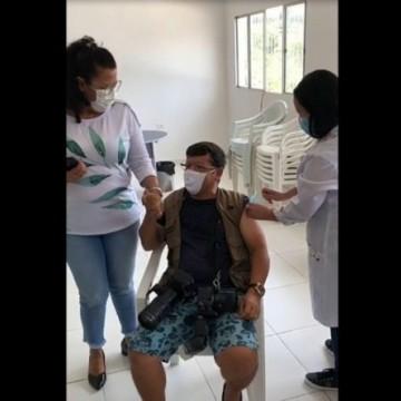 Servidores de Jupi que podem ter furado fila na vacina contra a covid-19 são investigados