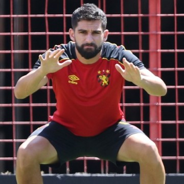 Sport aguarda retorno de Pedro Carmona contra o Criciúma