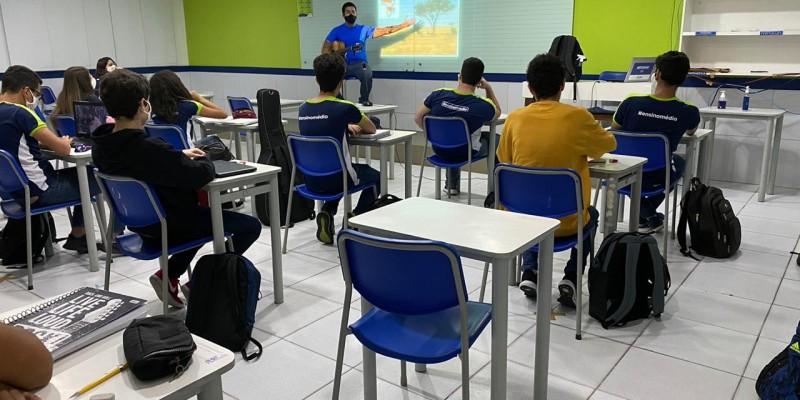 Sintepe estima 30% dos alunos em sala de aula diante do cenário da pandemia da Covid-19. As turmas do 6º ao 9º ano do ensino privado, estão liberadas para retomar às atividades presenciais nesta terça-feira (10)