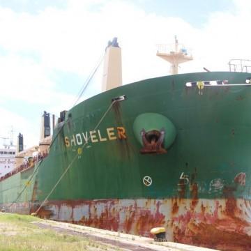 Navio atracado no porto do Recife é isolado após nove tripulantes testarem positivo para a covid-19