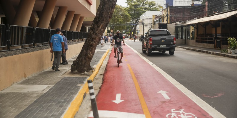 O equipamento ocupa 1 km da Rua José de Alencar e permite conexão entre a zona 30 da Ilha do Leite e a Avenida Conde da Boa Vista