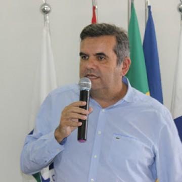 Adjar Soares questiona sobre critérios usados para definição dos serviços que são essenciais ou não durante a quarentena