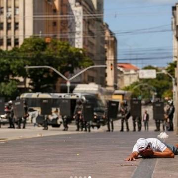 PM suspeito de ter disparado a bala de borracha no olho de homem no protesto é afastado