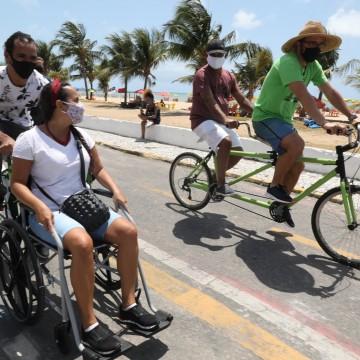 Ciclofaixa em Jaboatão conta com bikes para pessoas com deficiência