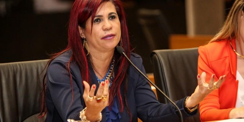 Gleide  ngelo afirma que o objetivo é de reparar a injustiça atual que essas mulheres sofrem
