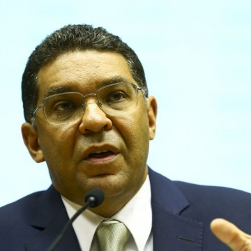 Secretário do Tesouro deixará cargo entre fim de julho e  agosto