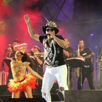 Carnaval de Olinda reúne frevo e maracatu no segundo dia de festa