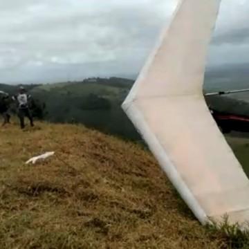 Acidente assusta torneio de voo livre, no município de Vicência