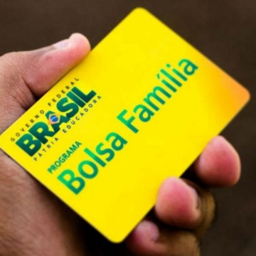 Beneficiários do bolsa família de Pernambuco começam a receber parcela do 13°