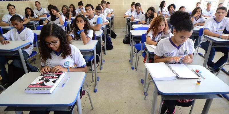 Em Pernambuco, as aulas presenciais estão suspensas desde o dia 18 de março, por causa da pandemia do novo coronavírus