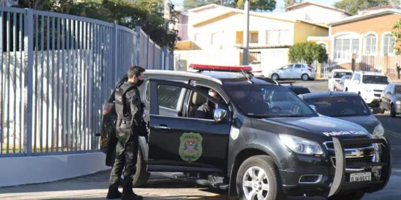 Ao todo, foram cumpridos 11 mandados de prisão, além de sete mandados de busca e apreensão domiciliar, todos expedidos pela 1ª Vara Criminal da Comarca de Paulista
