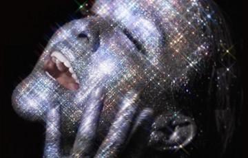 Alanis Morissette lança novo disco nas plataformas digitais