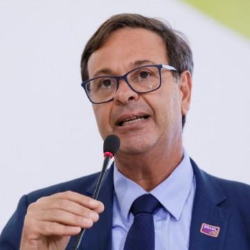 Gilson Machado indica investimentos no aeroporto de Caruaru visando melhorar escoamento de mercadorias do Agreste
