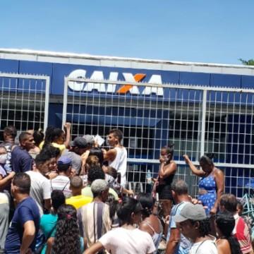 Tumultos nas agências da Caixa para recebimento de benefícios do governo federal