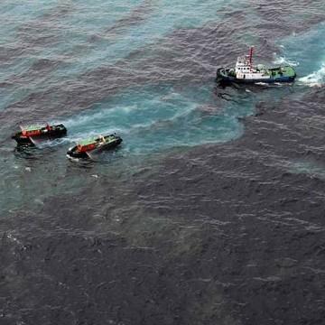 Possível navio responsável por vazamento de óleo é identificado pela Ufal