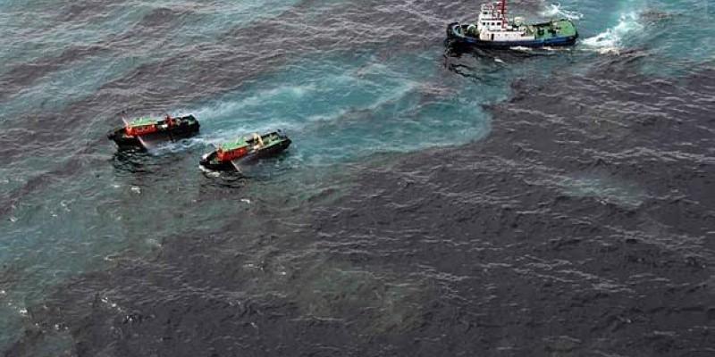 De acordo com o pesquisador,  a embarcação apontada transporta óleo cru entre a Venezuela e dois países da Ásia