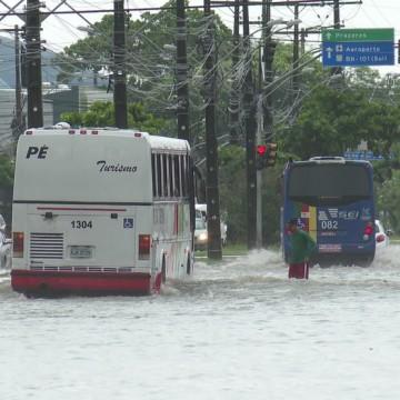 Governo de Pernambuco monitora fortes chuvas que atingem o estado