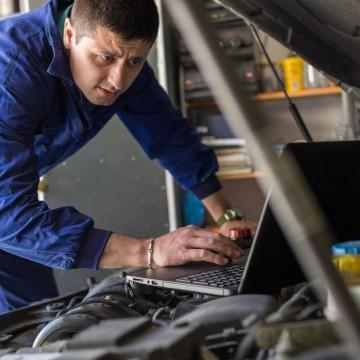 Profissões ligadas à tecnologia tendem a crescer mais, diz Senai