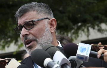 "Frota critica ""ditadura bolsonarista"" no programa ""Roda Viva"""