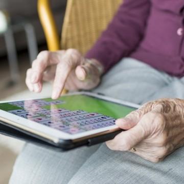SJDH orienta instituições para o cuidado com as pessoas idosas