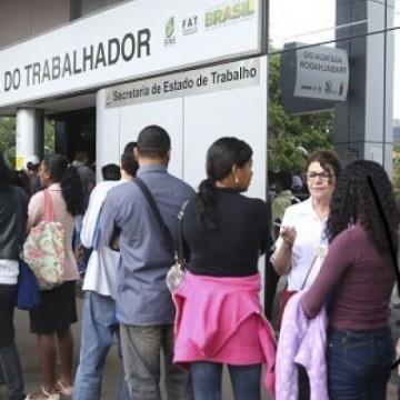 Taxa de desemprego fecha o trimestre encerrado em novembro em 11,2%