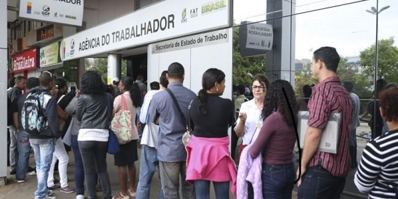 Emprego com carteira de trabalho assinada chegou a 33,4 milhões