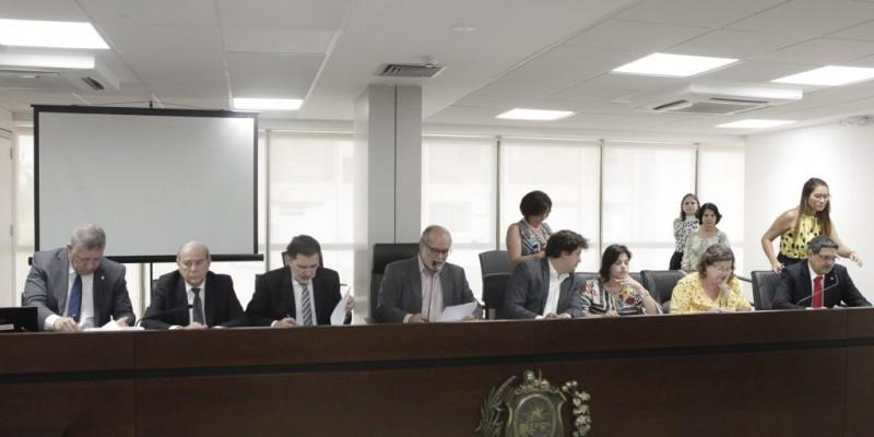 Presidente da Comissão de Finanças da Alepe destaca que  Paulo Câmara está demonstrando atenção aos movimentos da economia e buscando soluções para o estado